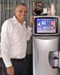 השר לשעבר מושה כחלון בהשקת drinka מכונת המשקאות