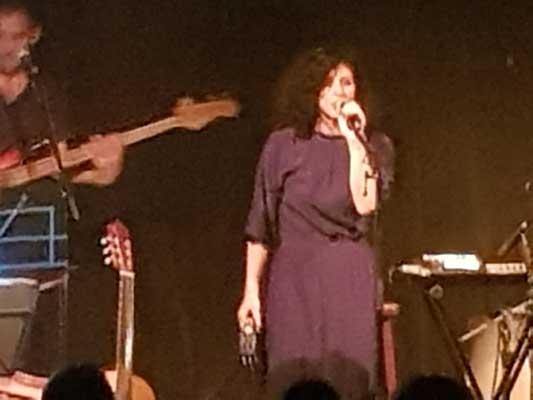 הזמרת אפרת בן צור באלבום חדש