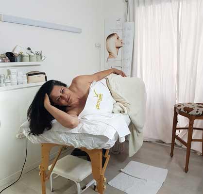טלי סלבין קוסמטיקאית הוליסטית 050-6931000 המלצה של רות טיפולי פנים המשלבים נטו מגע ידיים וחומרים טבעיים לטיפולי פנים