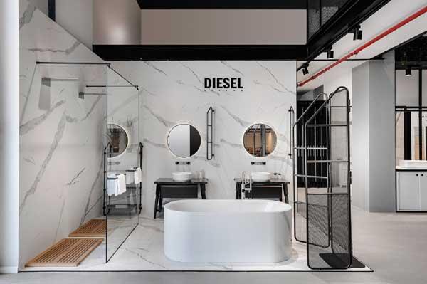 דיזל, בסטודיו קרמיקה, תצוגת חדר רחצה